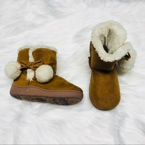 Baby girl faux fur booties-7